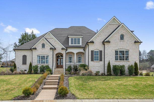 Elegant home designer and premier builder of elegant home and floor designs Nashville TN